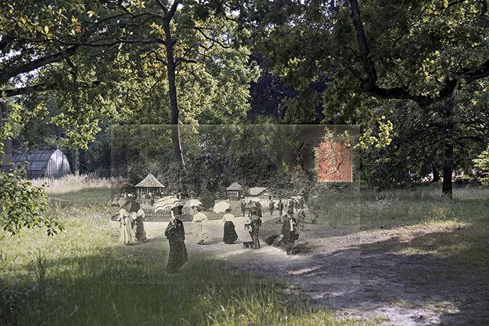 Promenade dans les allées du Jardin Tropical de Paris pendant l'exposition coloniale de 1907
