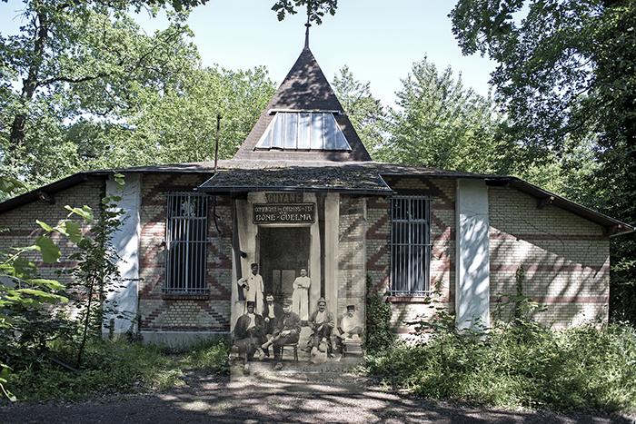 Pavillon de la Guyane dans le Jardin d'Agronomie Tropicale de Paris occupé par les troupes coloniales pendant la guerre de 14-18